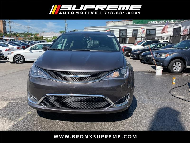 Pre-Owned 2018 Chrysler Pacifica Touring-L